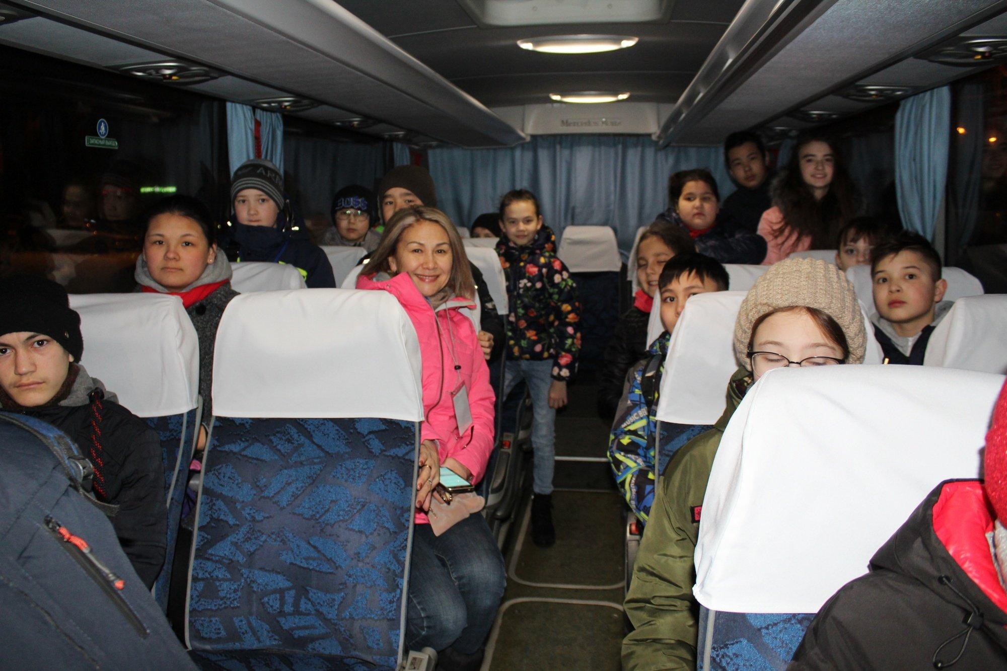 Вторая группа детей из Сибая отправилась на отдых в Крым